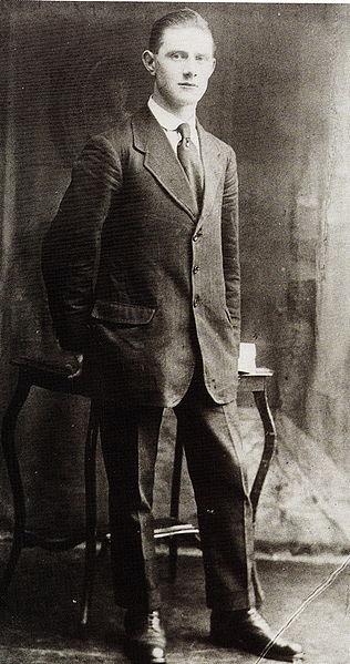 Vinny_Byrne[1] Burning of Dublin Custom House 1921