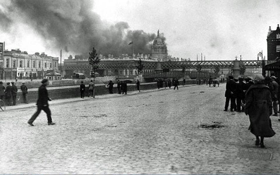 Dublin Custom House Burning